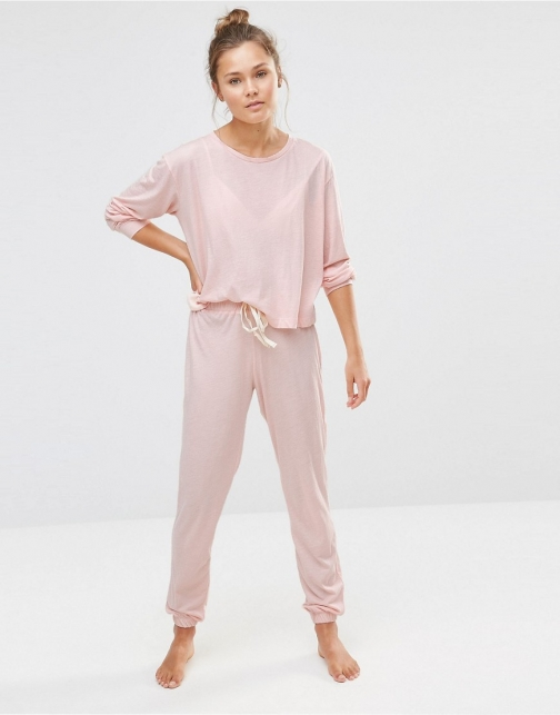 Chelsea Peers Soft Peachy Sweat And Jogger PJ Set