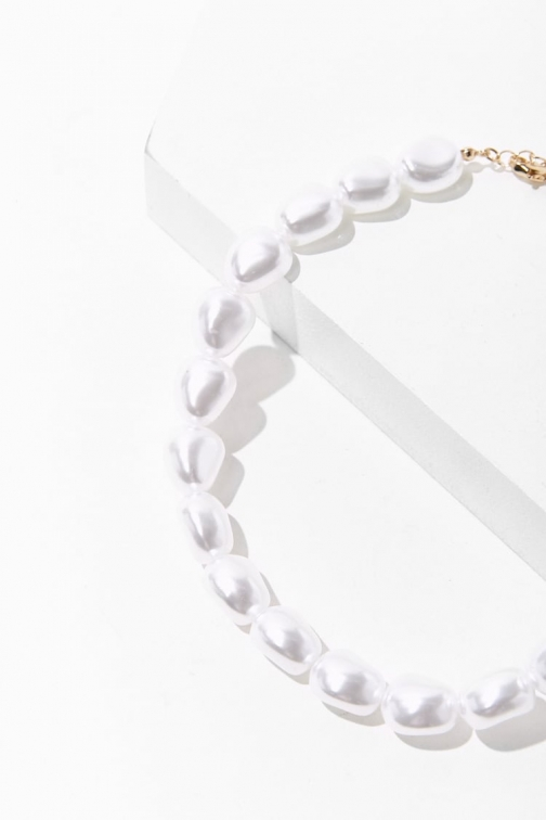 Forever21 Forever 21 Iridescent Faux Gem , Cream Necklace