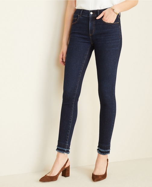 Ann Taylor Petite Sculpting Pockets Frayed Classic Mid Wash Skinny Jeans