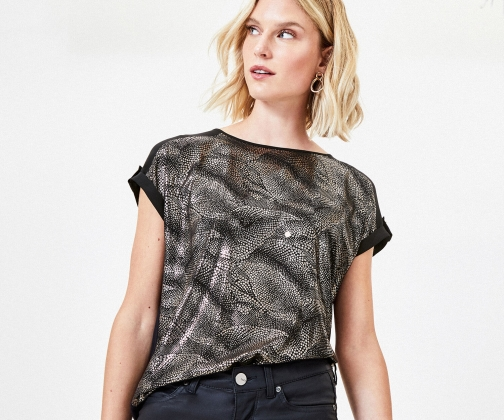 Oasis Textured Foil Utility Tee T-Shirt
