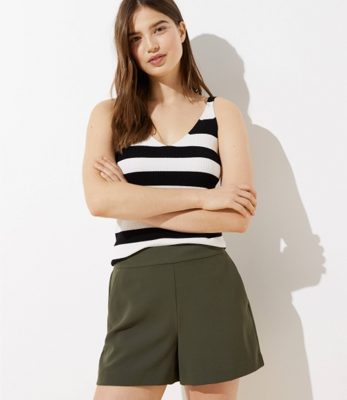 Loft Crepe Pull On Short