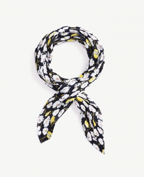 Oasis Floral Pleated Scarf